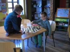 Malom hétköznapok: izgalmas sakkmeccs